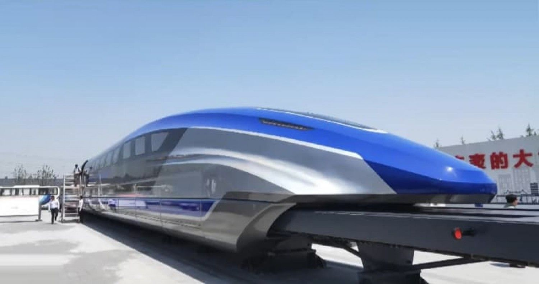 """قطارات يابانية """"طائرة"""""""