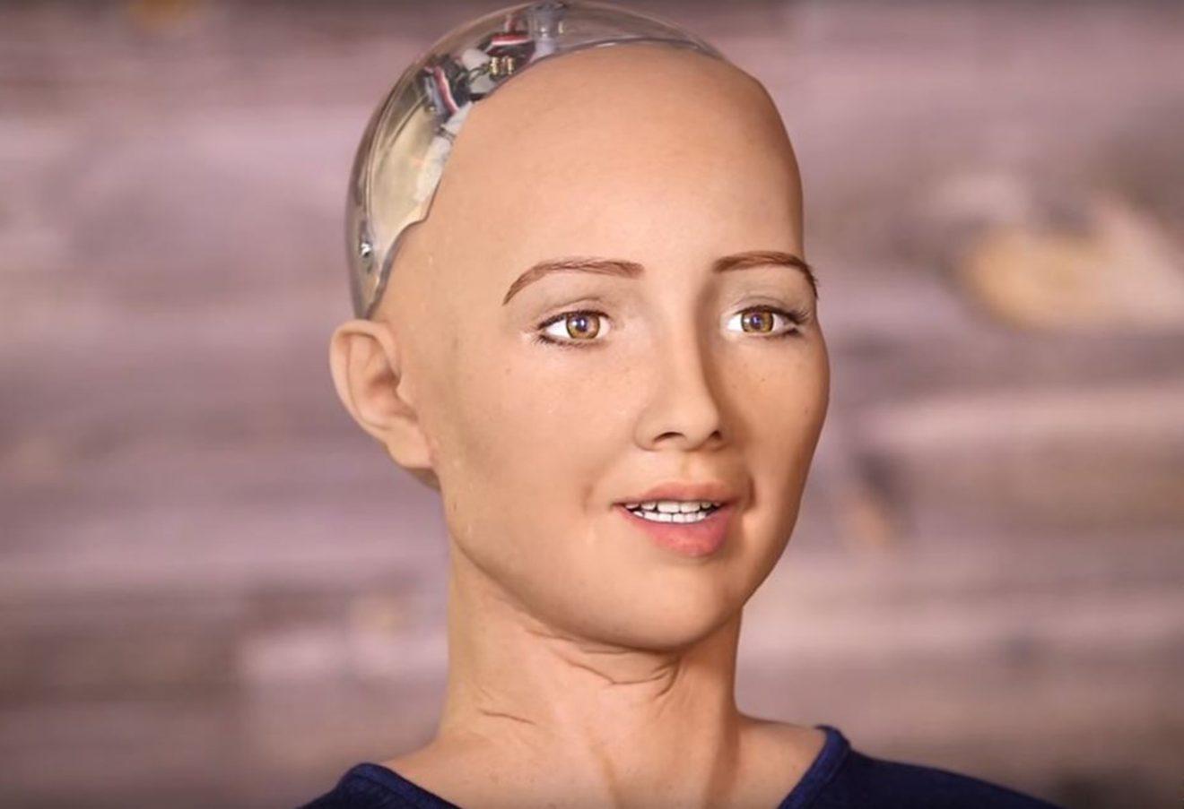 زواج البشر بالروبوتات عام 2045 !